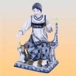 Скульптура «Пряха» (гжель)