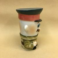 Солонка фарфоровая Солдат с автоматом АК