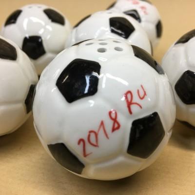 Солонка фарфоровая Футбольный мяч