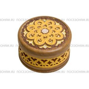 Шкатулка деревянная, узорчатая (берестянная аппликация)