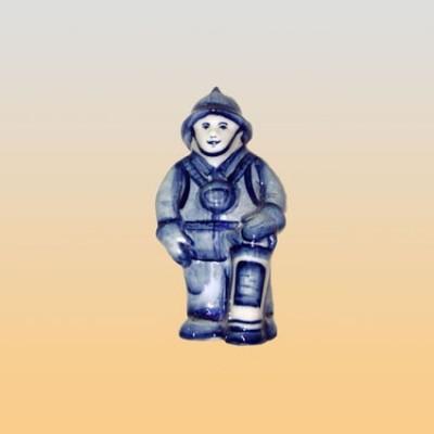 Скульптура «Пожарный на посту» (гжель)
