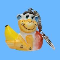 Брелок обезьяна бананчик